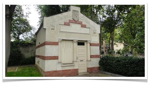 modeste bâtiment de pierre et de brique à Neuilly